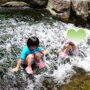 ダウン症児の成長日記 川遊び