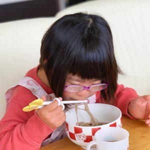 ダウン症児の成長日記 おそばを作って食べる