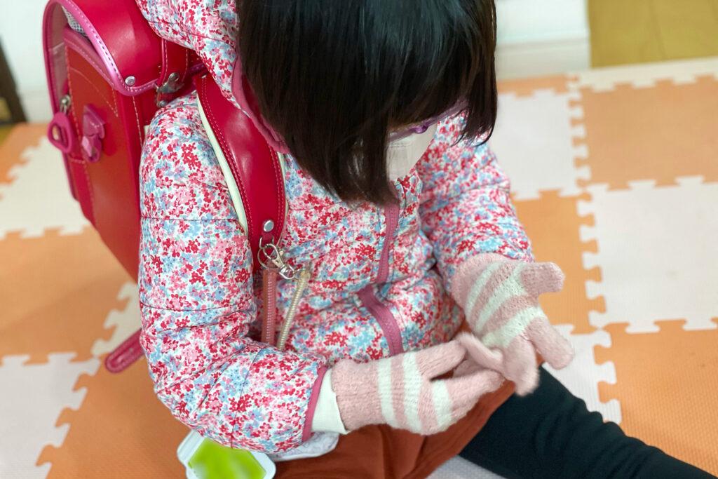 ダウン症児の成長日記 5本指手袋